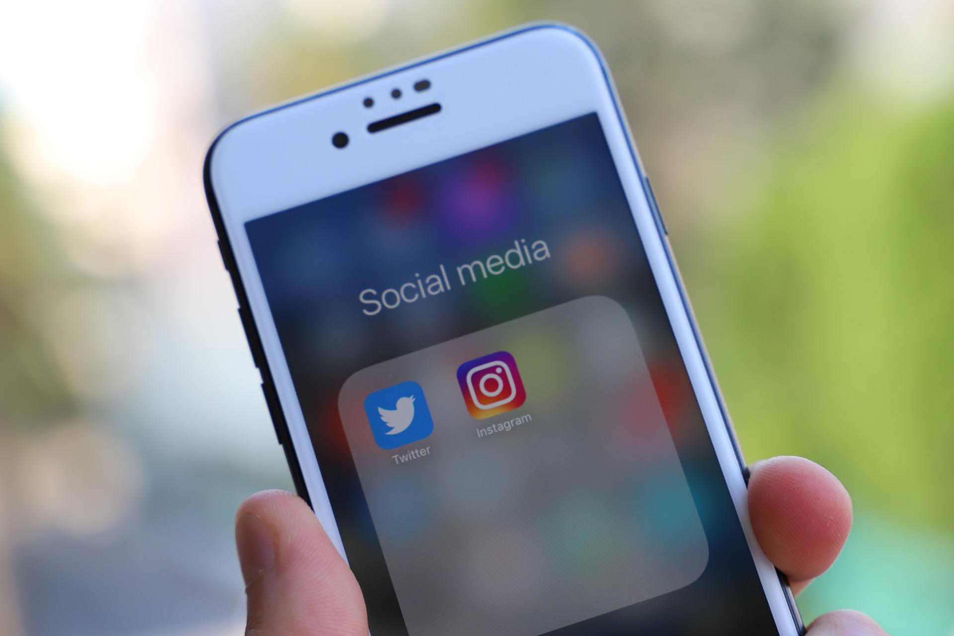 Médias sociaux : comment conditionnent-ils notre quotidien?
